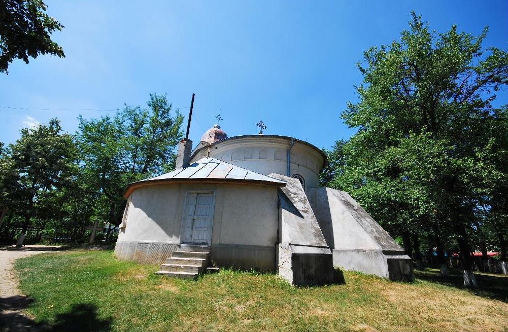 Biserica Adormirea Maicii Domnului, Hadâmbu - spate